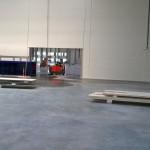 Sprzątanie posadzki betonowej magazynu logistycznego przed oddaniem do użytkowania, woj. śląskie