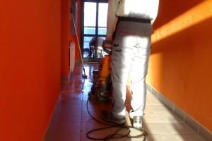 Sprzątanie w budynku należącym do wspólnoty mieszkaniowej
