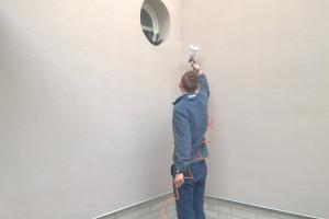 Zabezpieczanie ściany po usunięciu graffiti przed kolejnymi malunkami